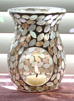 Beautiful Champagne Petals Mosaic Glass Aromatherapy Oil Warmer